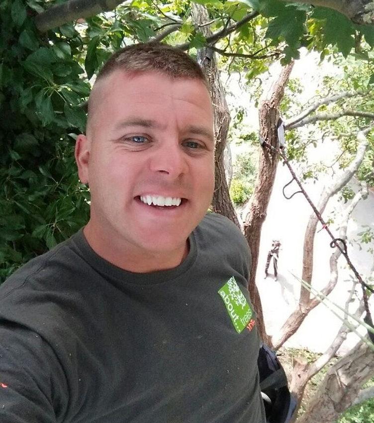 Joe Lovelock Lead Climbing Arborist